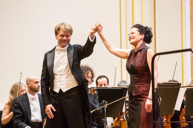 Vianočný koncert - Pavol Remenár, Simona Houda Šaturová - Velká sála Slovenskej filharmónie Bratislava 2015 (foto Jakub Jorik)