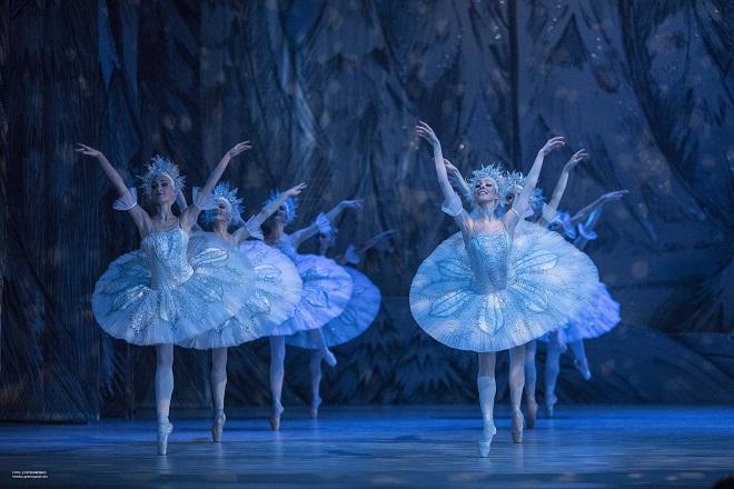 Čajkovskij: Louskáček - sbor Baletu SND - SND 2015 (foto Peter Brenkus)