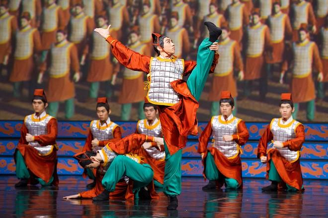 Udatní terakotoví válečníci (foto ShenYun.com)