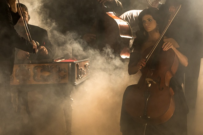 Bizet/Šarközi: Carmen à la Gypsy Devils - Silvia Šarköziová (Carmen) - SND 2015 (foto Marco Hindy)