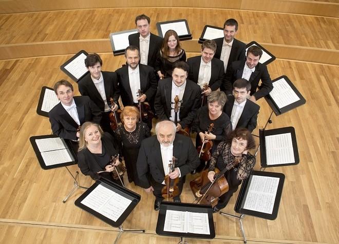 Slovenský komorný orchester (zdroj operaslovakia.sk)