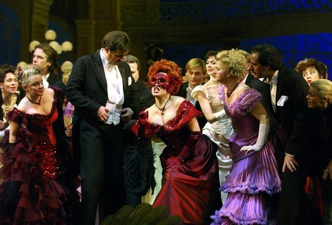 Johann Strauss ml.: Netopýr - Volksoper Vídeň (foto Volksoper)