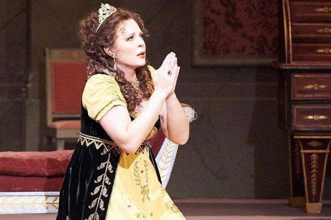 Martina Serafin - Tosca - Vídeňská státní opera (foto WSO)