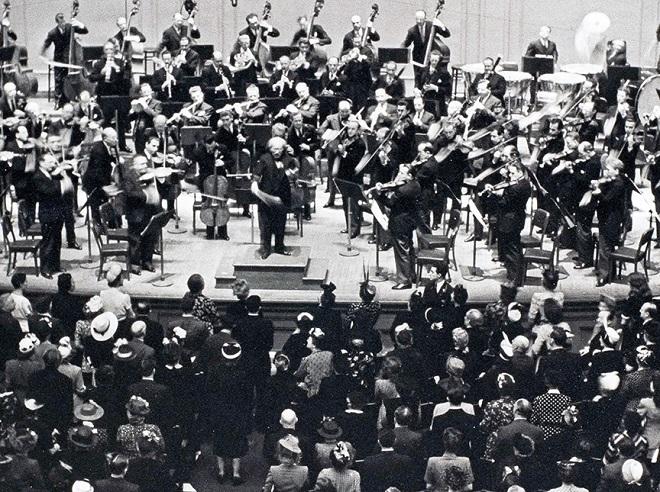 Arturo Toscanini s Newyorskou filharmonií (foto archiv