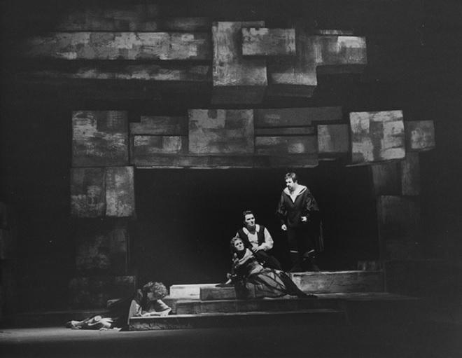 G.Verdi: Troubadour - Eva Těluškinová (Azucena), Zdeňka Diváková (Leonora), Jiří Zahradníček (Manrico) - SD Ostrava 1963 (foto František Krasl)
