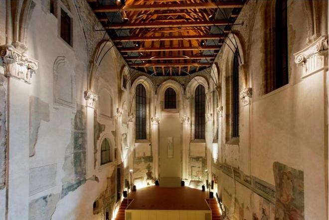 kostele sv. Anny – Pražská křižovatka (foto FOK)