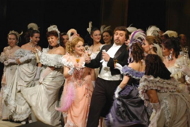 R.Strauss: Netopýr - Státní opera Praha (foto ND)