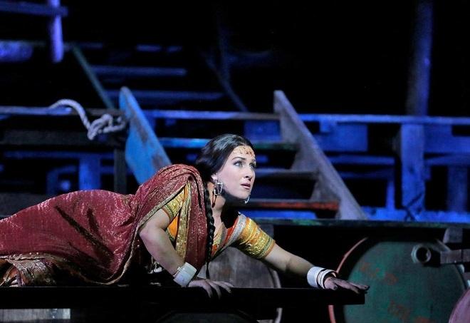 G.Bizet: Les pêcheurs de perles - Diana Damrau (Leila) - Met 2015 (foto Ken Howard)
