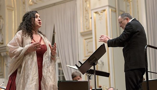 Stella Grigorian (mezzosoprán), Slovenská filharmónia, dirigent Fabrizio Ventura -Bratislava 21./22.1.2016 (foto Ján Lukáš)