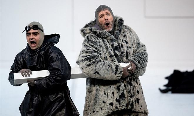 Miroslav Srnka: South Pole – Rolando Villazón (Robert Scott), Thomas Hampson (Roald Amundsen) – Bavorská státní opera 2016 (foto Bayerische Staatsoper)