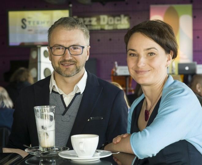 umělecký ředitel Strun podzimu Marek Vrabec a bývalá výkonná ředitelka festivalu Dana Syrová (foto archiv/Struny podzimu)