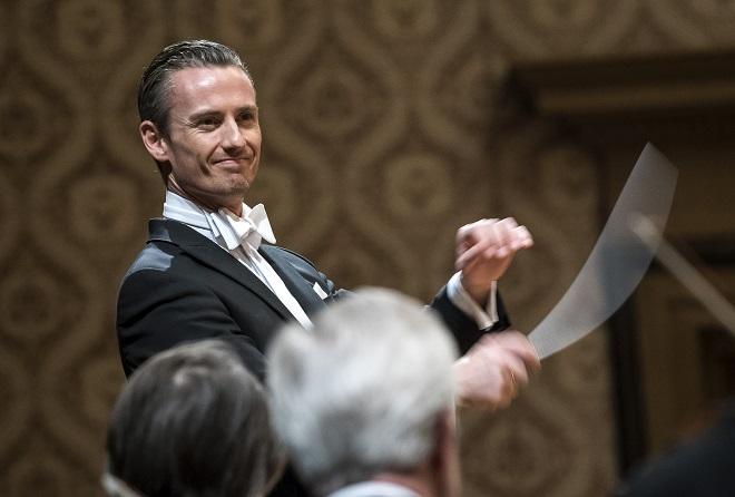 Česká filharmonie - Alexander Shelley (foto Petra Hajská)
