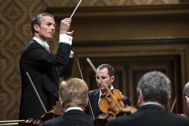 Česká filharmonie - Alexander Shelley, Antoine Tamestit (foto Petra Hajská)