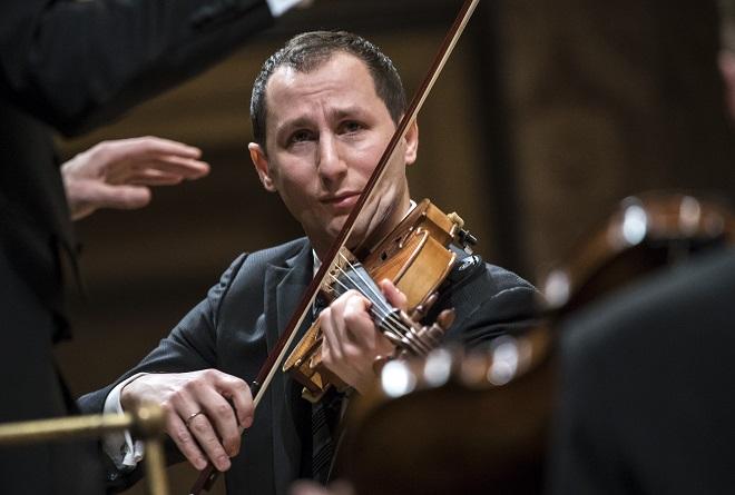 Česká filharmonie - Antoine Tamestit (foto Petra Hajská)