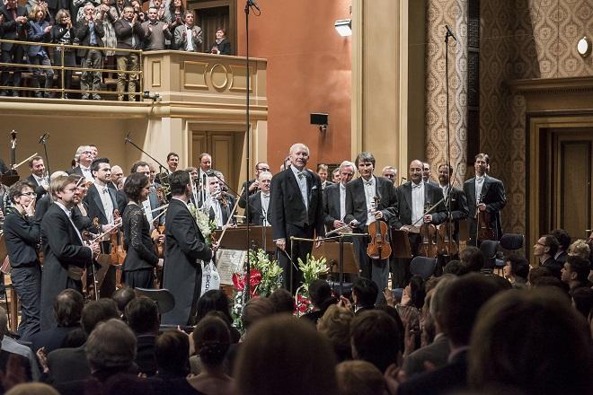 Česká filharmonie - Koncert ke 120. výročí - Česká filharmonie, Jiří Bělohlávek (foto ČF)