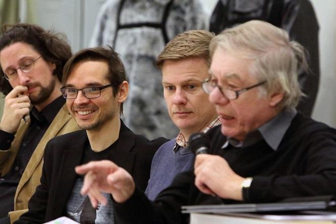 z přípravy mnichovské inscenace opery South Pole - dramaturg Malte Krasting, skladatel Miroslav Srnka, libretista Tom Holloway a režisér Hans Neuenfels (foto Bavorská státní opera)