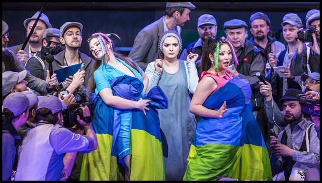 Gioacchino Rossini: Popelka -Dorothea Spilger (Tisbe), Lena Belkina (Angelina), Yukiko Šrejmová Kinjo (Clorinda) - ND 2016 (foto Patrik Borecký)