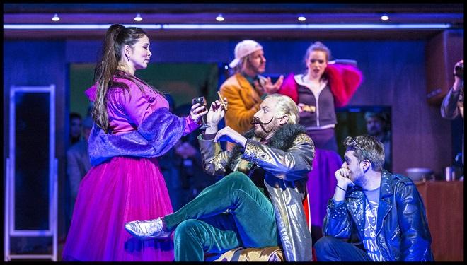 Gioacchino Rossini: Popelka - Yukiko Šrejmová Kinjo (Clorinda), Jiří Hájek (Dandini), Vassilis Kavayas (Don Ramiro) - ND 2016 (foto Patrik Borecký)