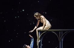 S.Prokofjev: Romeo a Julie - Alina Nanu (Julie), Ondřej Vinklát (Romeo) – ND Praha (foto Martin Divíšek)
