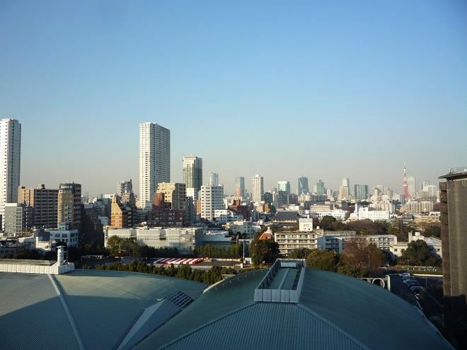 Tím směrem je Ginza, srdce Tokia. A také Suntory Hall, která nás čeká na závěr turné.