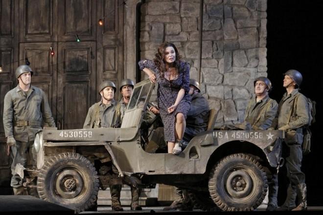 Marco Tutino: La ciociara - Anna Caterina Antonacci (Cesira) - San Francisco Opera 2015 (foto ©Cory Weaver/San Francisco Opera)