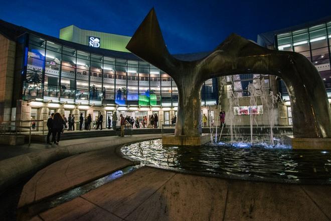 nová budova Slovenského národního divadla Bratislava (foto archiv)