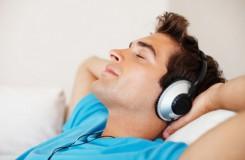 Poslech hudby – rozptýlení, útěcha, uvolnění?