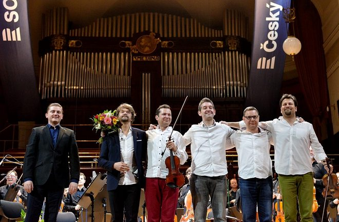 Dan Bárta, Epoque Quartet, SOČR a Jan Kučera - Obecní dům 1.2.2015 (foto SOČR)