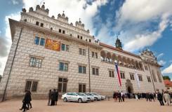 Svůj úvodní koncert letos Smetanova Litomyšl věnuje Jiřímu Bělohlávkovi