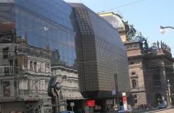Nová Tosca, opera o Stalinově pomníku nad Prahou i Lohengrin. ND odtajnilo novou sezonu