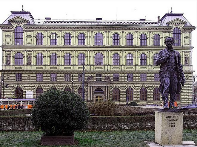 Palachovo náměstí (foto archiv)