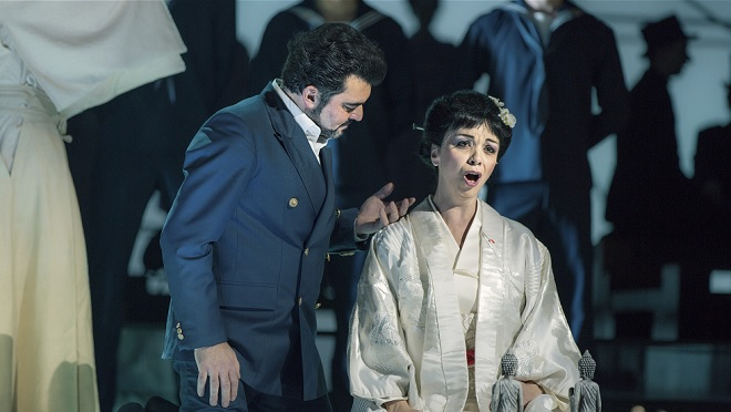 G.Puccini: Madama Butterfly - Luciano Mastro (F. B. Pinkerton), Marie Kobielska (Cio-Cio-San) - ND Praha 2016 (foto Patrik Borecký)