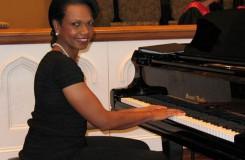 Může mít i politik výjimečný hudební talent? Aneb Condi hraje královně