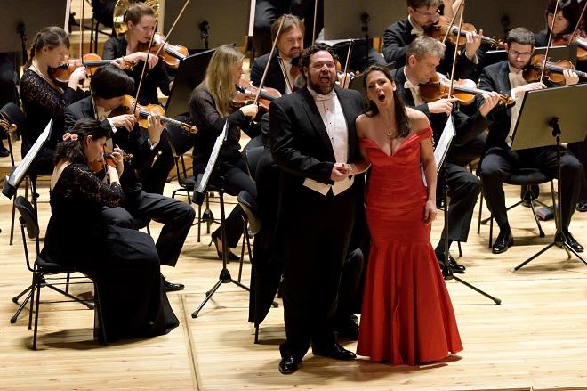 Bryan Hymel, Irini Kyriakidou, PKF-Prague Philharmonia (foto Petr Dyrc)