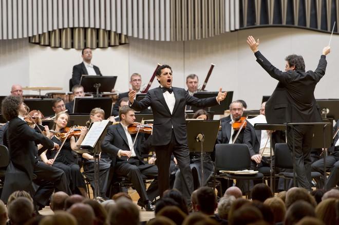 Svetové operné hviezdy - Juan Diego Flórez, Slovenská filharmónia, Sebastiano Rolli - Koncertná sieň Slovenskej filharmónie Bratislava 2016 (foto © PANER)