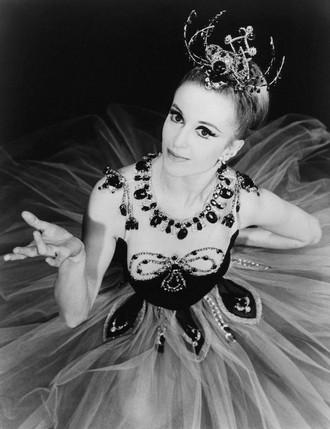 Jewels - choreografie George Balanchine - Verdy Violette - New York City Ballet (1967) (zdroj en.wikipedia.org)