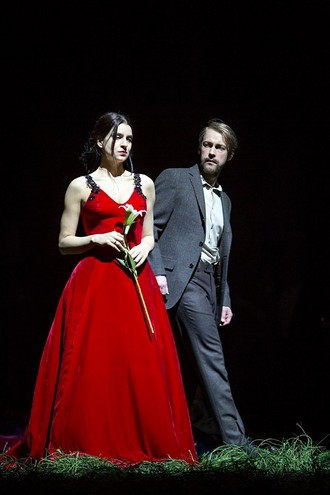 Petr Iljič Čajkovskij: Jewgeni Onegin - Komische Oper Berlin 2016 (foto FB Komische Oper Berlin)