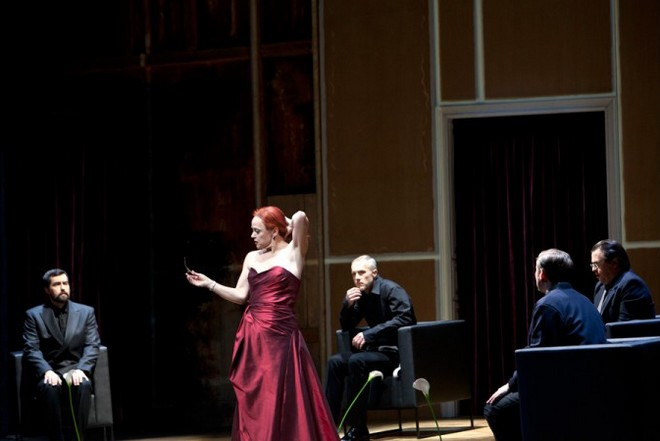 Leoš Janáček: Věc Makropulos - Deutsche Oper Berlin (foto © 2016, Bernd Uhlig)