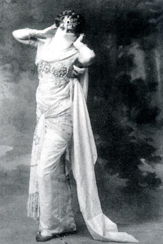 Tanec je báseň a pohyby jsou její slova, napsala na fotografii Mata Hari (foto Fries Museum Leeuwarden)
