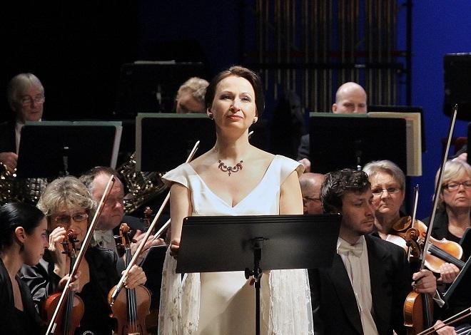 Písňový večer sólistů Opery Národního divadla - Dana Burešová (foto ND)