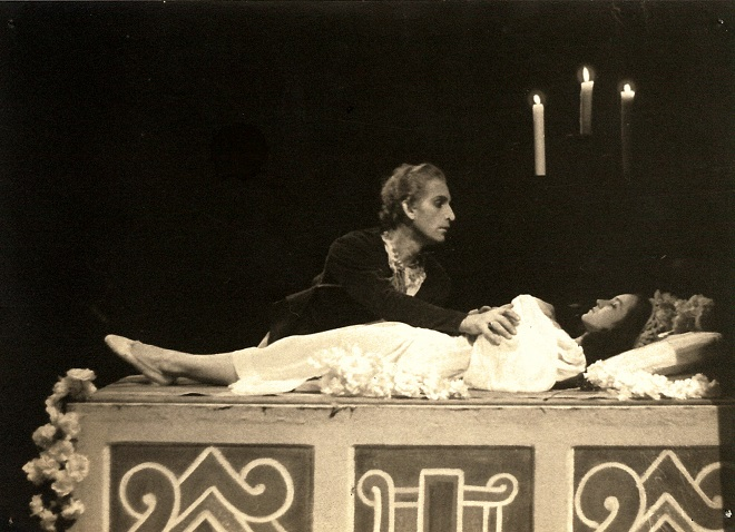 S.Prokofjev: Romeo a Julie - Emerich Gabzdyl (Romeo), Julie Jastřembská (Julie) - SD Ostrava 1950 (foto archiv NDM)