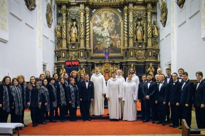 Schola Gregoriana Pragensis a Adoremus (foto archiv)