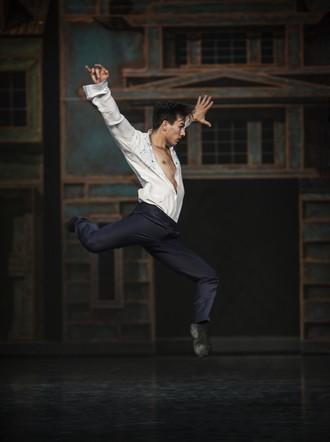 Slovenské tance - Životy svetiel - choreografia Natália Horečná - Peter Dedinský (Janko) - SND Bratislava (foto Peter Brenkus)