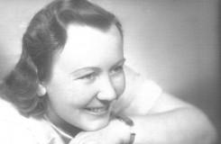 Bylo jí 38, když zemřela. Pochovali ji v kostýmu Káti Kabanové