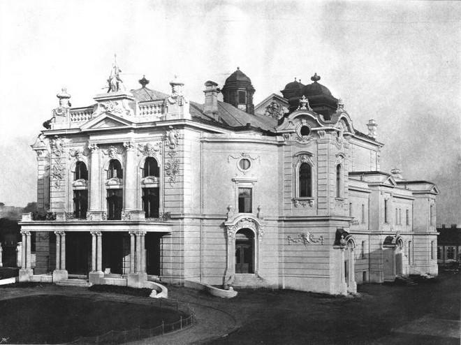 Zemské divadlo v Ostravě (zdroj theatre-architecture.eu)