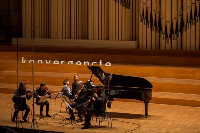 Konvergencie – Veľké koncertné štúdio Slovenského rozhlasu Bratislava 2016 (foto © konvergencie/Martina Šimkovičová)