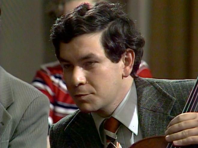 Jiří Bělohlávek hraje na violoncello (foto archiv)