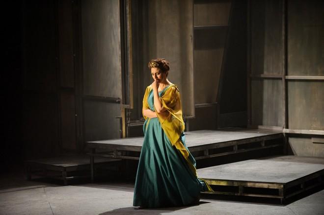 Gaetano Donizetti: Pia de' Tolomei - Elena Xanthoudakis (Pia) - English Touring Opera 2016 (foto FB English Touring Opera/© Jane Hobson)