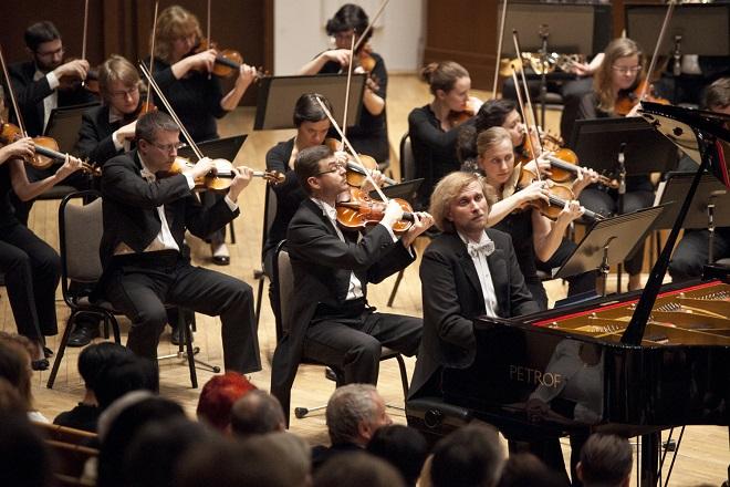 Zahajovací koncert Pardubického hudebního jara 2016 - PKF-Prague Philharmonia - Marek Šedivý (dirigent, Ivo Kahánek (klavír)(foto PHJ)