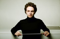 Je prý jedním z našich největších dirigentských talentů